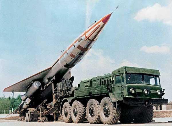 Военные троллят иностранцев названиями боевой российской техники