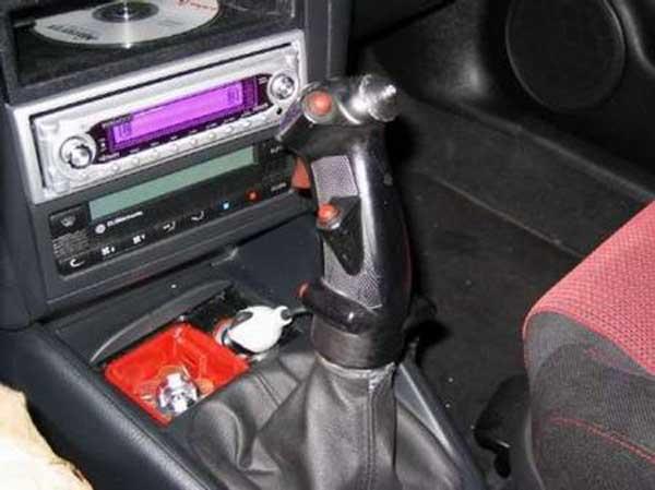 Творческий подход к автомобильным рукояткам передач