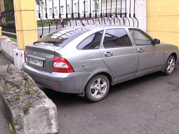 Бетонные блоки против нарушителей парковки